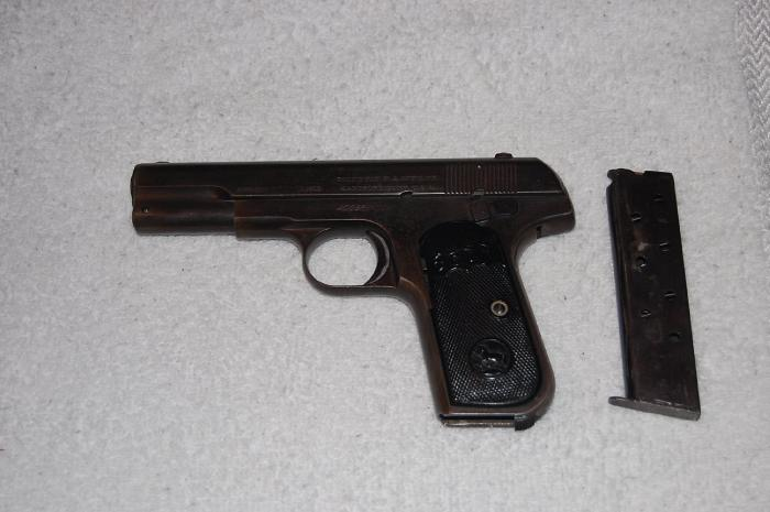 Colt - Colt 1903 Hammerless .32 Cal Automatic pistol - Picture 2