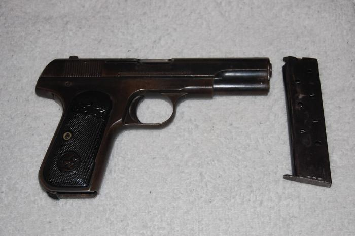 Colt - Colt 1903 Hammerless .32 Cal Automatic pistol - Picture 3
