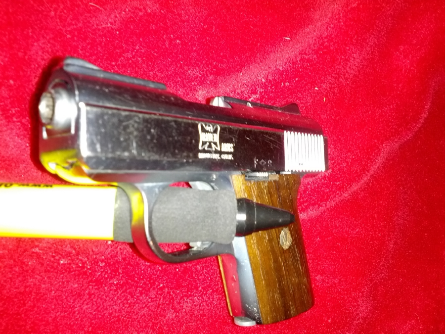 Raven Arms - WITH 250rnd.25ACP RAVEN NICKEL-MODEL MP-25 CAL .25 - Picture 3