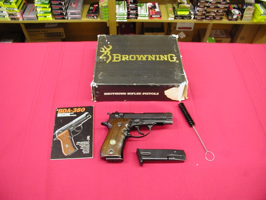Browning Arms Co. - BDA     380  CALIBER - Picture 1