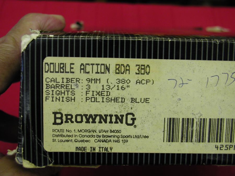 Browning Arms Co. - BDA     380  CALIBER - Picture 2