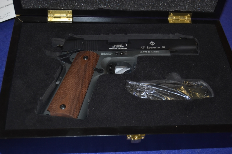 American Tactical GSG - 1911 Anniversary 22lr Knife/Display Case Incl. - Picture 1