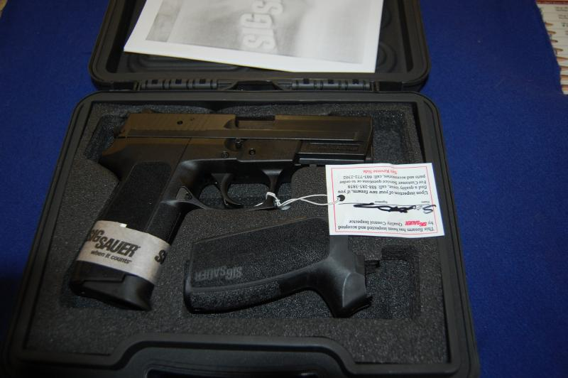 SIG Sauer - SP2022 40 S&W Sig Pro  $15 ship no c/c fee - Picture 1