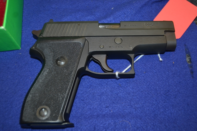 SIG Sauer - P225 9mm Single Stack Very Clean Nice Gun - Picture 2