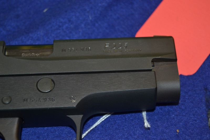 SIG Sauer - P225 9mm Single Stack Very Clean Nice Gun - Picture 3