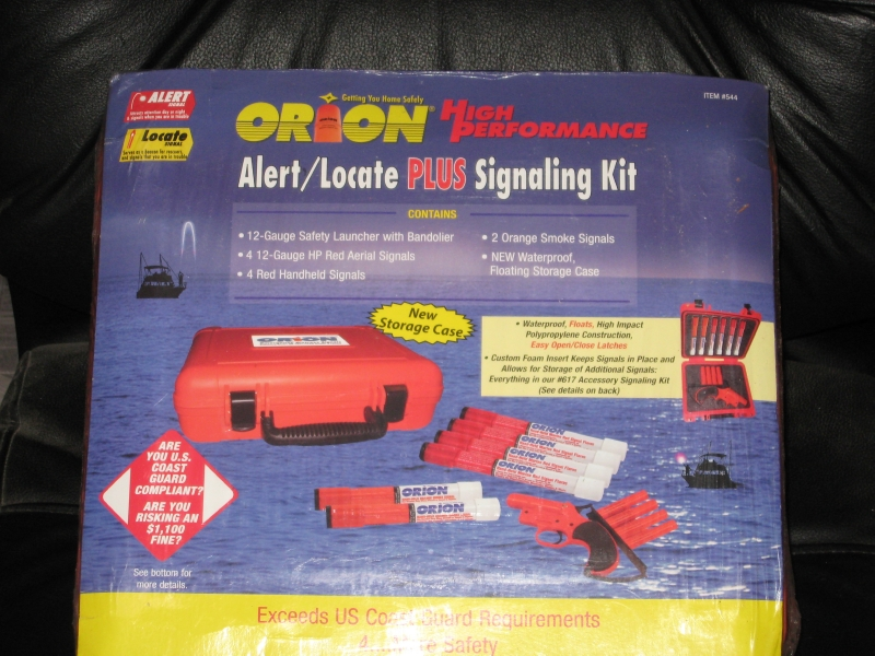 ORION FLARE GUN/SIGNALING KIT-NEW IN BOX - Picture 1