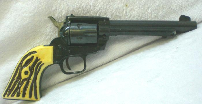 Sportarms - HS model 21S .22 mag (w .22 cyl.) revolver - Picture 2