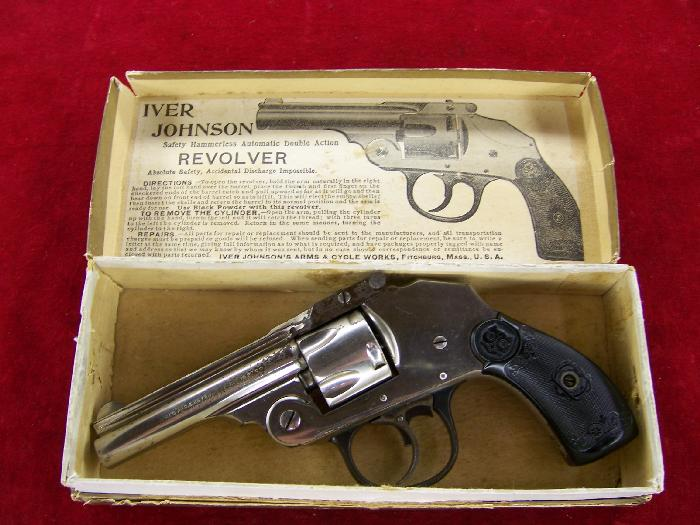 IVER JOHNSON 32 CALIBER - SAFETY HAMMERLESS REVOLVER IN BOX-ANTIQUE - Picture 1