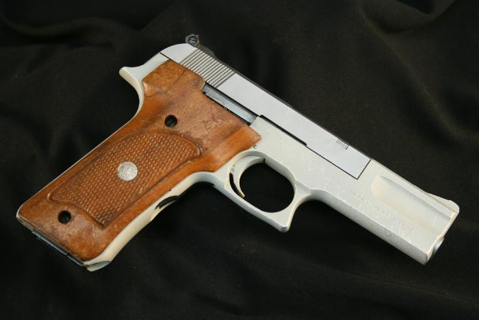 Smith & Wesson S&W Model 622 .22 LR Semi-Auto Pistol