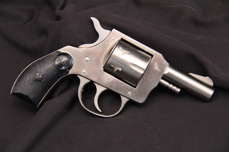 Harrington and Richardson, H&R - Model 733 .32 S&W 2 ½