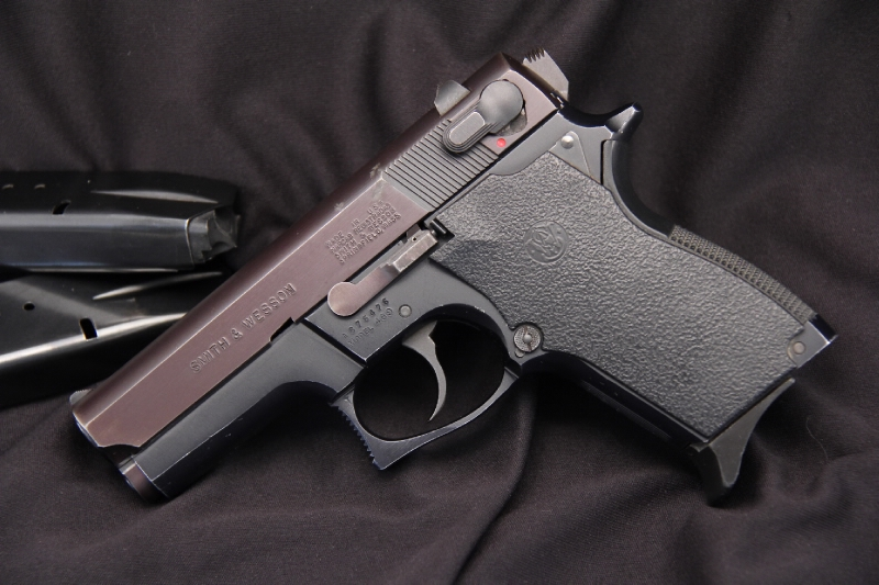 Smith & Wesson S&W Model 469 - 'The Mini' 9MM Double Action Semi Auto Pistol - Picture 5
