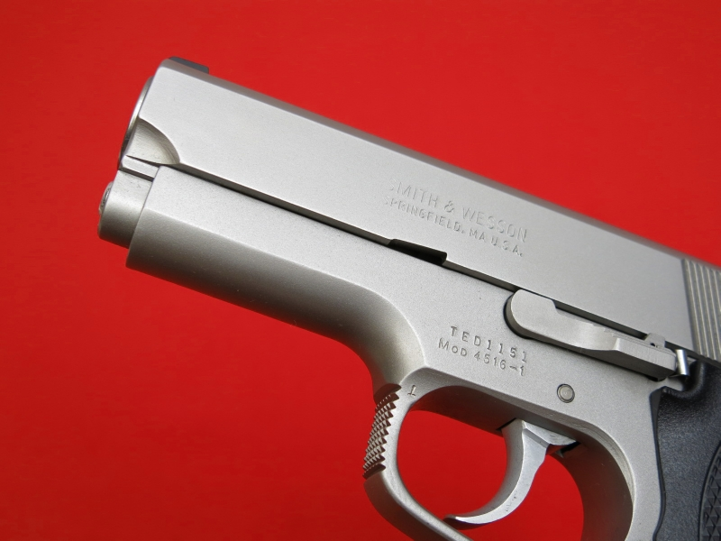 SMITH & WESSON  MODEL 4516-1 - STAINLESS/COMPACT...45 ACP...Night Sights...NICE!! - Picture 4