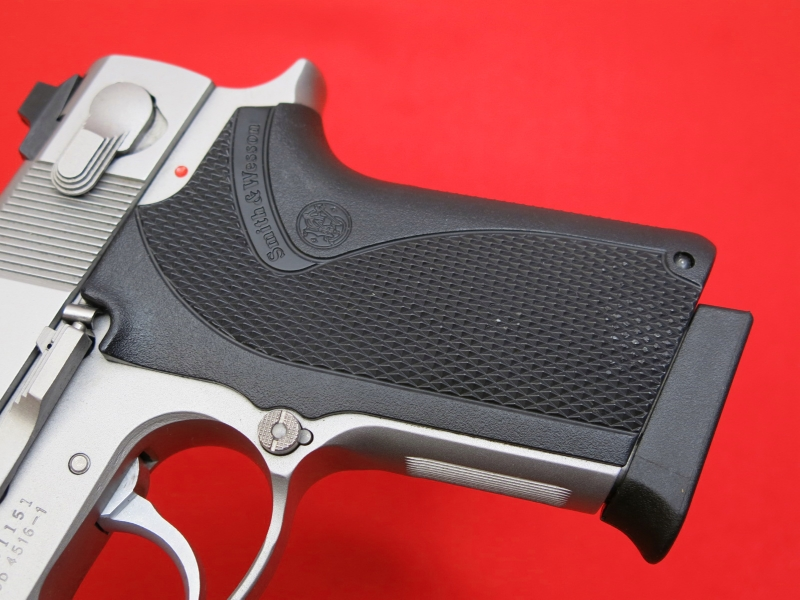 SMITH & WESSON  MODEL 4516-1 - STAINLESS/COMPACT...45 ACP...Night Sights...NICE!! - Picture 7
